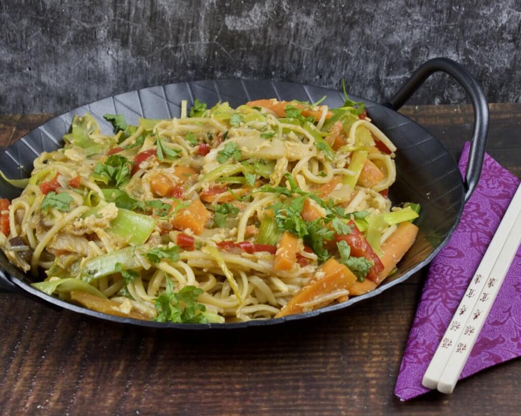 Gebratene Nudeln mit Gemüse und Ei - Zu Faul Zum Kochen ?